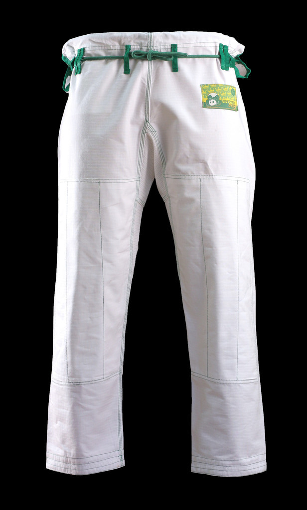 Inverted Gear White Gold Weave Panda Gi available at www.thejiujitsushop.com.  Comfortable light and durable Jiu Jitsu Gi from our panda nation friends at inverted gear.   Enjoy Free Shipping from The Jiu Jitsu Shop today!