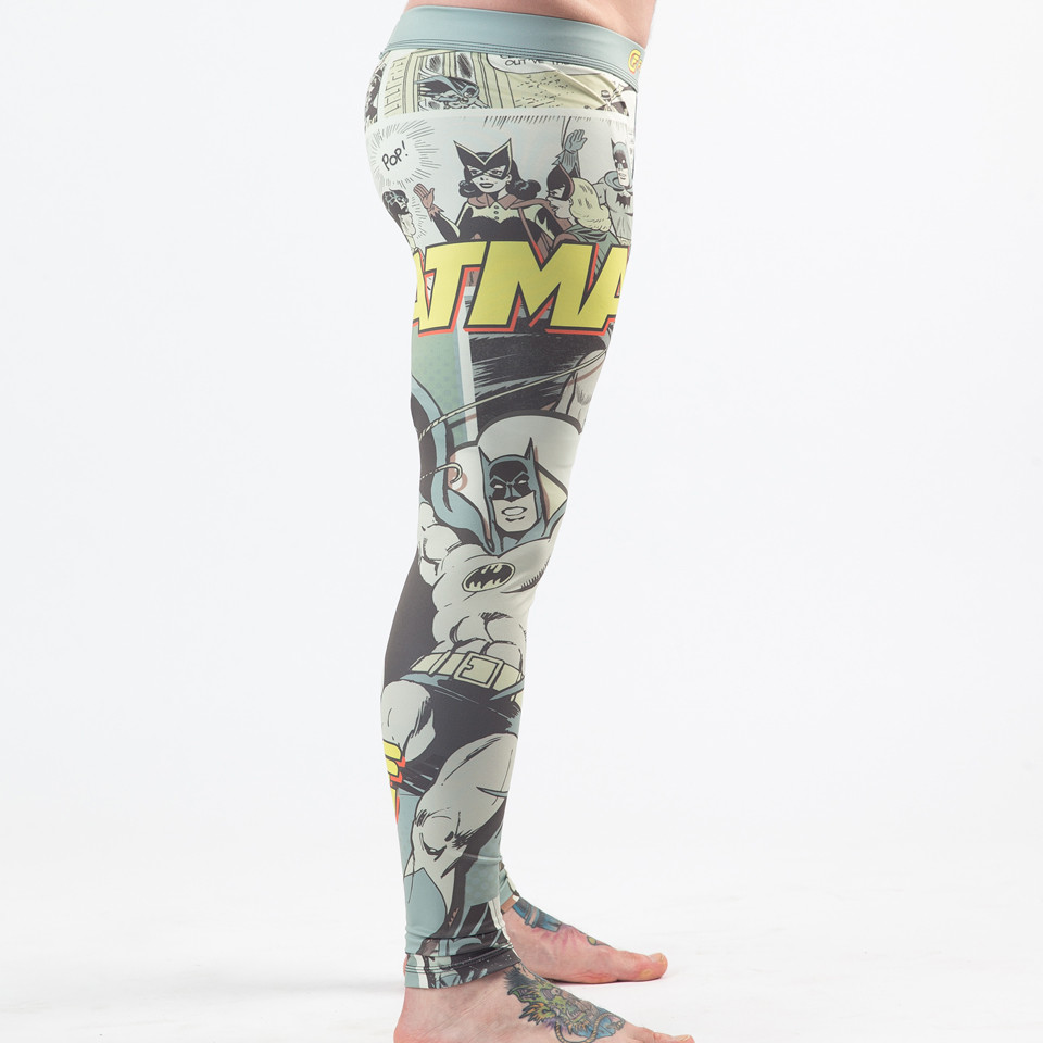 right side view of the Fusion FG Batman Pop Art Spats available at www.thejiujitsushop.com   Enjoy Free Shipping from The Jiu Jitsu Shop