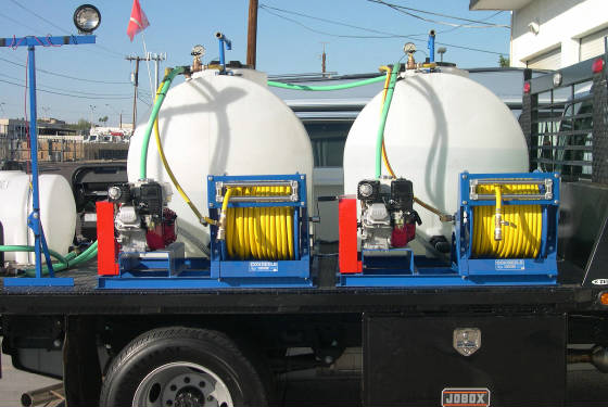 pest-control-spray-rig-3-tanks-pumps-motors.jpg