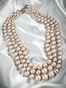 Pat Whyte Triple Strand Pearl Neck Piece Beige