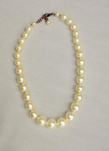 Pat Whyte Medium Strand Pearl White