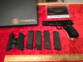 Browning Hi Power made in  Belgium 4 mags, original case, extra Hogue grips