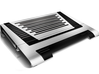 NZXT CRY-002LX CRYO LX Silver Aluminum Notebook cooler w/ 3 120mm Adjustable Fans