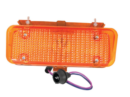 This amber, front, passengers side park lamp assembly fits 1971-72 Chevrolet and GMC trucks