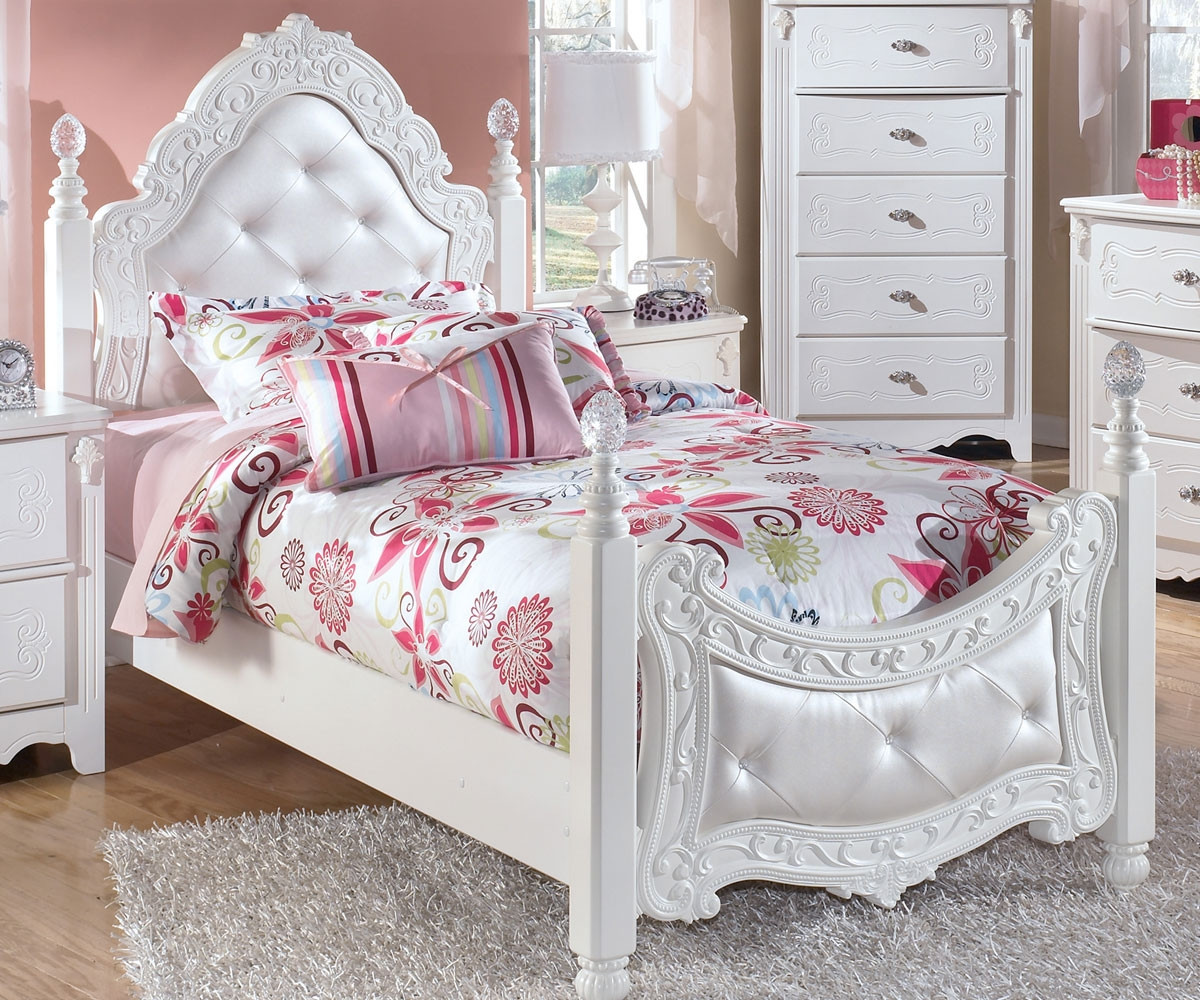 - Ashley Furniture Exquisite Twin Size Poster Bed B188-71 Kids