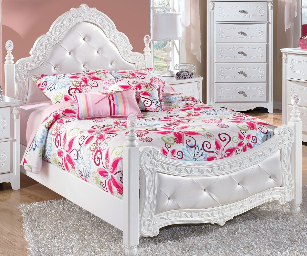 Picture of: Ashley Furniture Exquisite Full Size Poster Bed B188 72 Kids Exquisite Full Poster Bed For Girls In White Finish Ashley Kids Furniture Exquisite Collection B188 Poster Bed