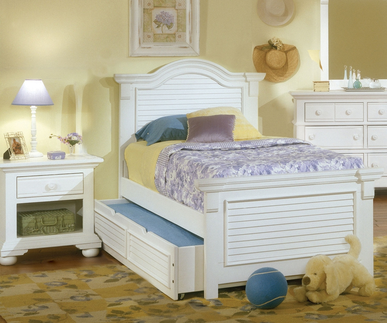 Cottage Traditions Panel Bed Twin Size