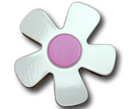 Pastel White Daisy Drawer Pull 3 | One World | OW-DP668