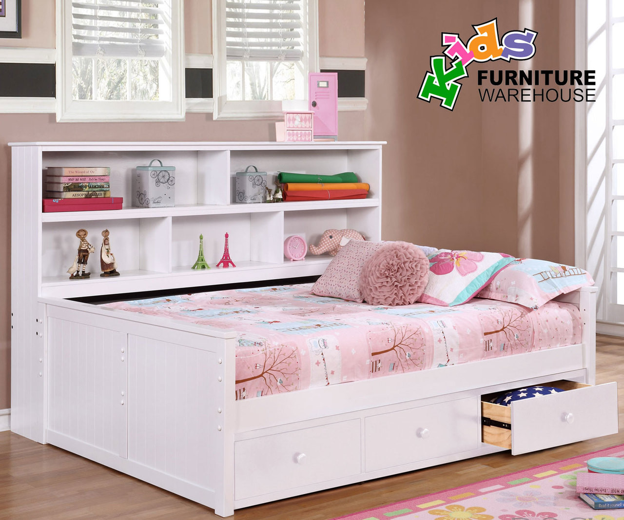 Picture of: Full Size Bookcase Captains Daybed White Allen House Kids Captains Beds And Daybeds