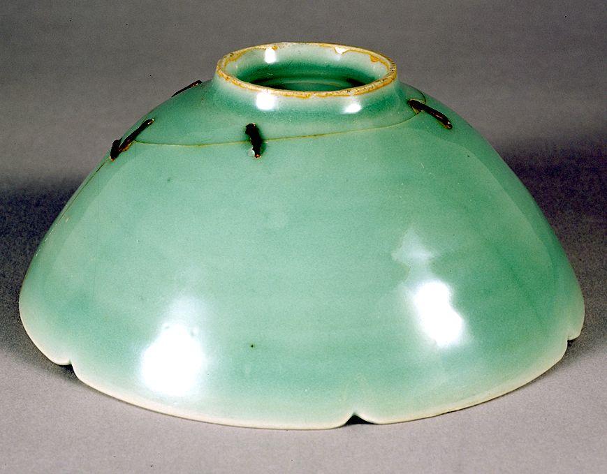 Japan's national treasure: Chinese longquan celadon tea bowl BAKOHAN