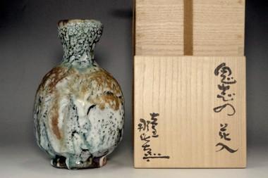 sale: Tsukinaga Nahiko 'oni shino hanaire' glazed vase
