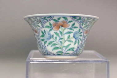 sale: Chinese doucai porcelain cup w Qianlong mark #3288