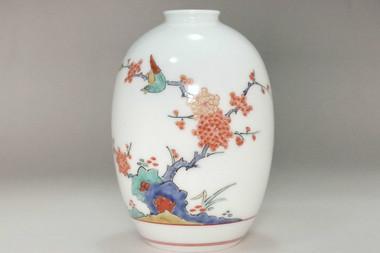 sale: 14th Sakaida Kakiemon (1934-2013) VIntage imari bud vase