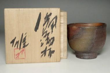 sale: Fujiwara Yu (1932-2001) Bizen ware cup