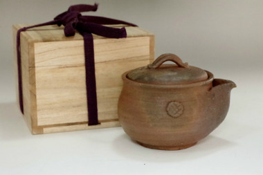 sale: Hohin - Japanese izen ware tea pot