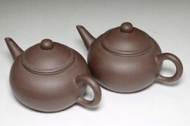 sale: 墨縁斎景堂製 景記 Set of 2 Chinese purple sand teapots