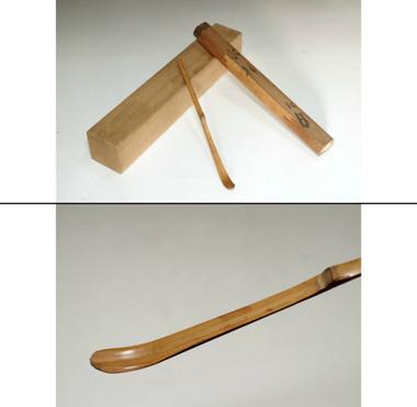 sale: 6th Omote-senke Kakkaku-sai (1678-1730) Antique bamboo tea scoop