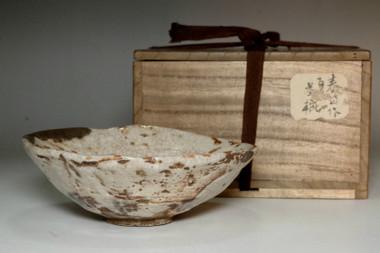 sale: Kato Shuntai (1802-1877) Antique pottery tea bowl in seto ware