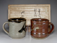 sale: A pare of mag cups in mashiko pottery by Hamada Shoji w shigned box