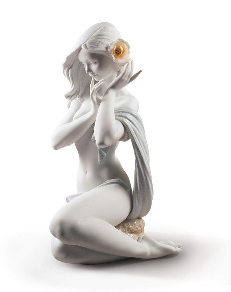 Lladro Subtle moonlight Woman Figurine. White. Limited edition 01009332