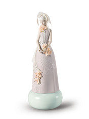 Haute Allure Exclusive Model Woman Figurine. Limited Edition 01009359