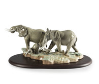 A Stop Along The Way Elephants Sculpture Lladro 01009387