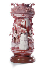 LLADRO LADIES IN THE GARDEN VASE-RED (RE-DECO) (01007032 / 7032)
