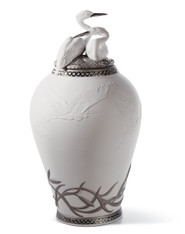 LLADRO HERONS' REALM COVERED VASE (RE-DECO) (01007052 / 7052)