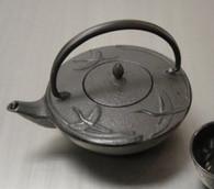 Black Crane Cast Iron Teapot 24oz