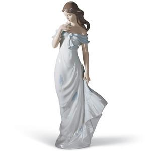 Lladro Porcelain A Flower's Whisper Woman Figurine 01006918