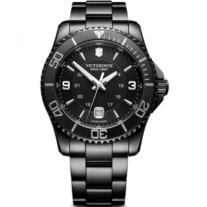 Victorinox Men's Swiss Army Maverick Black Edition Sapphire Bracelet Watch 241798