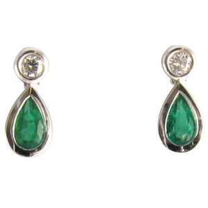 Fine Jewellery 18ct White Gold Emerald & Diamond Pear Shaped Drops Earrings 4109474