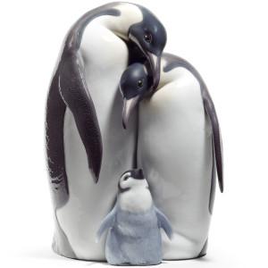 Lladro Porcelain Penguin Family Figurine 01008696