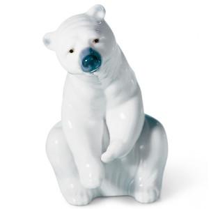 Lladro Porcelain Resting Polar Bear Figurine 01001208