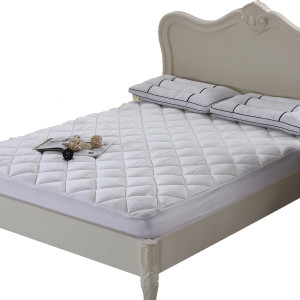 Royal Hotel Collection Bamboo Mattress Pad / Topper