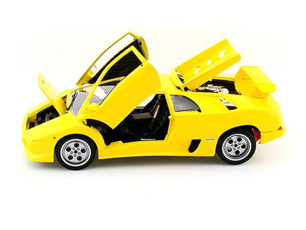 Lamborghini Diablo Yellow 1 18 Scale Diecast Car Model By Bburago 12042