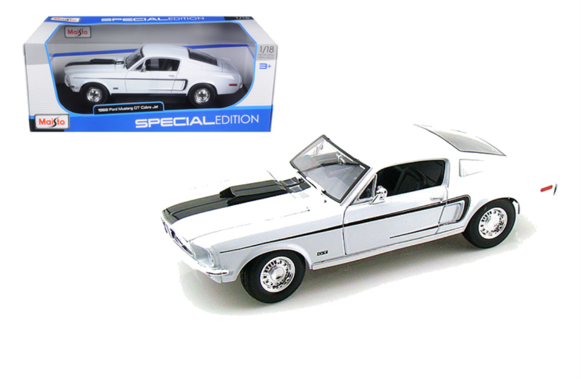 Ford Mustang Gt Cobra Jet Fastback White   Scalecast Car Model By Maisto