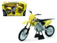 2014 SUZUKI RM-Z450 DIRT BIKE MOTORCYCLE 1/6 SCALE MODEL BY NEW RAY 49473