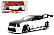 2006 Ford Mustang GT White / Black 1/24 Scale Diecast Car Model By Jada 99973