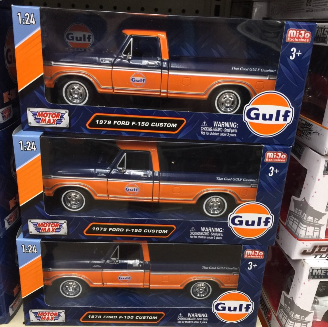 1979 Ford F 150 Pickup Truck Gulf Oil 1 24 Scale Diecast Model By