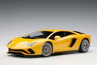 LAMBORGHINI AVENTADOR S METALLIC YELLOW 1/18 SCALE DIECAST CAR MODEL BY AUTOART 79132