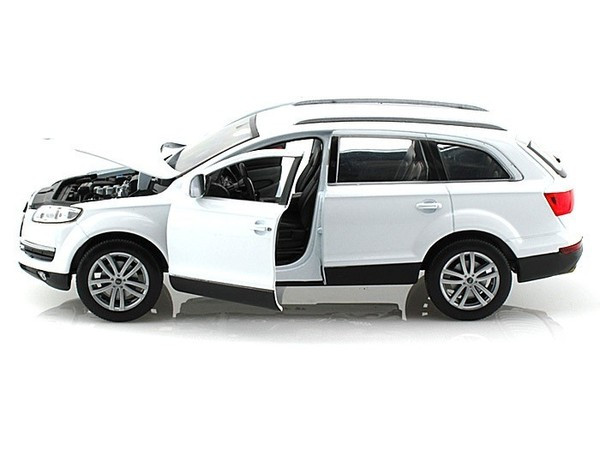 AUDI Q7 WHITE 1//24 DIECAST MODEL CAR BY WELLY 22481