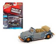 1975 VOLKSWAGEN SUPER BEETLE BUG PROJECT IN PROGRESS BLUE 1/64 SCALE DIECAST CAR MODEL BY JOHNNY LIGHTNING JLSP145 B