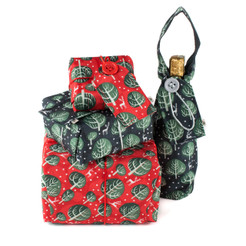 Crackle Pack includes a large, medium & small sheet of fabric gift wrap in our classic Wrag Wrap Christmas colours, plus a Bottle Bag. Please choose the design and colour combination by clicking on the options below: