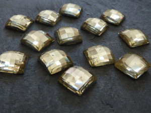 Sparkly Pale Yellow Acrylic Gems 10mm