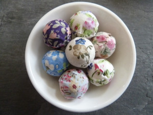 Floral Fabric Wrapped Beads 20mm