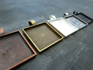 25mm Square Pendant Trays