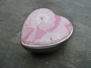 Small Metal Heart Gift Tin with Epoxy Stickers