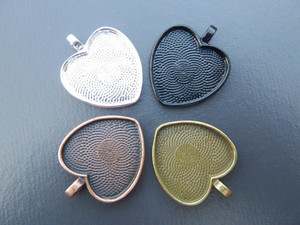 25mm Heart Pendant Trays