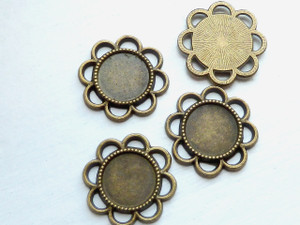 Ornate Scalloped 14mm Round Tray